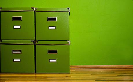 Ispirazione colori decorazione scaffali verdi
